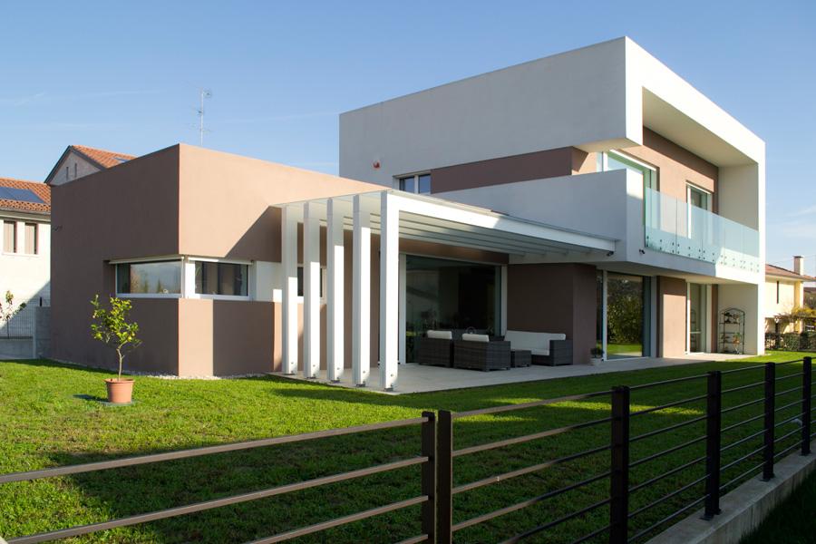 Realizzazioni evologica for Casa moderna por fuera